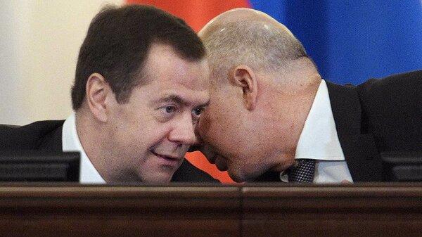 Является ли официальный прожиточный минимум в России достаточным для жизни?