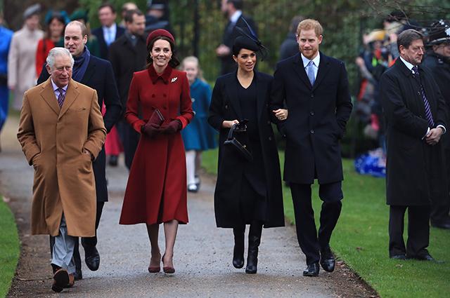 Конфликты в семье, обида принцессы Евгении и русские хакеры: новые подробности из книги о Меган Маркл и принце Гарри Монархии