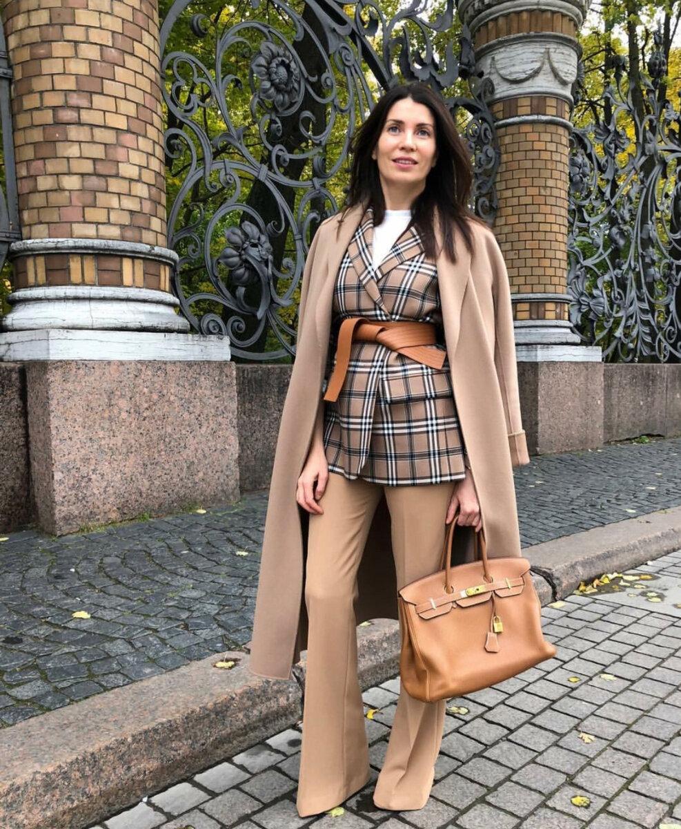 Осенние образы от Елены Ромашовой: 13 невероятно стильных идей бежевое пальто