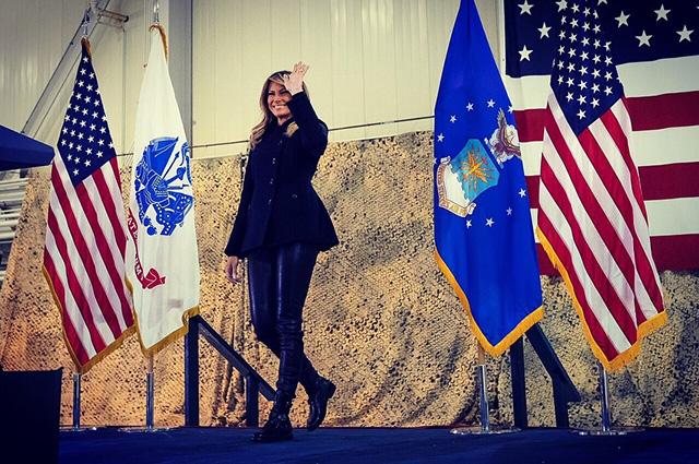 Мелания Трамп в рокерском об…