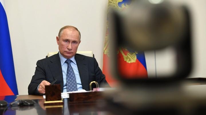 """Владимир Путин оборвал позитивные доклады чиновников: """"Что у нас здесь происходит?"""" россия"""