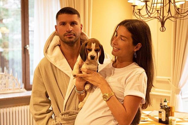 Беременная Кети Топурия опубликовала редкое фото с возлюбленным Львом Деньговым Звездные пары