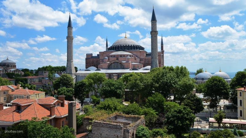 УЕФА может перенести финал ЛЧ из Стамбула из-за турецкой операции против курдов-радикалов