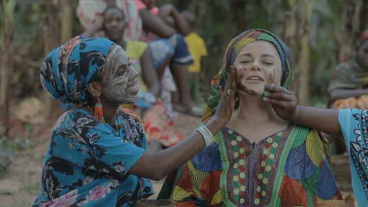 """Выжившая: Наташа Королева отправилась на экзотический остров для съемок в новом экстремальном шоу """"Племя"""" Кино,Телешоу"""