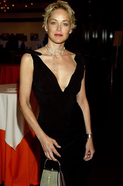 """Шэрон Стоун рассказала, как ее обманом уговорили сняться в той самой сцене из """"Основного инстинкта"""" Хроника"""
