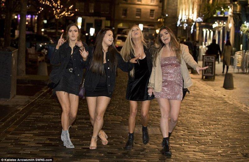 Шотландские девушки великобритания, новый год, погуляли, тусовщики, фоторепортаж, хогманей, шотландия