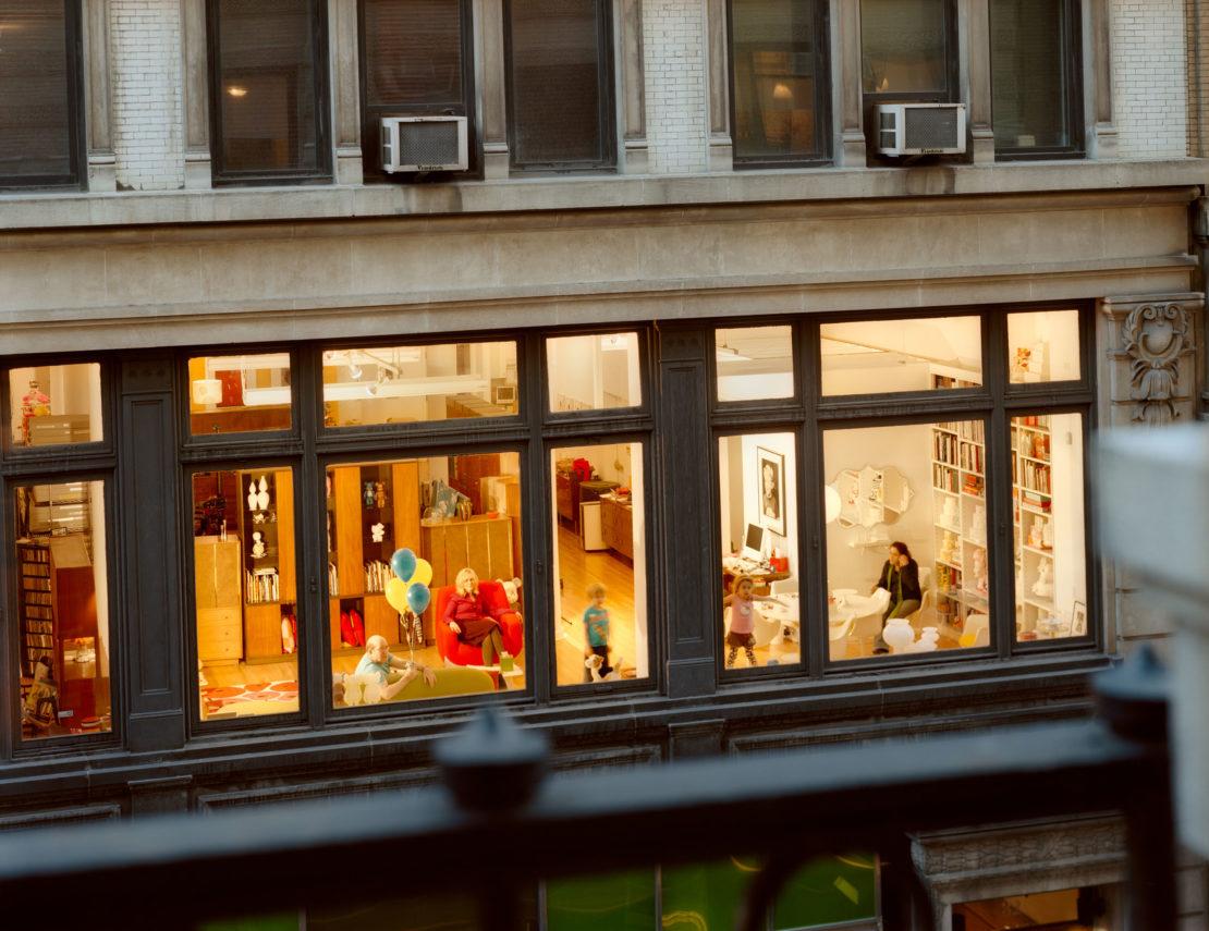 Почему на окнах в Швеции нет штор и другие странные законы