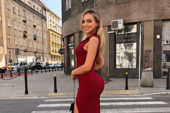 Польская фитнес-красавица с идеальными бедрами стала звездой Инстаграм
