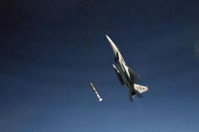 Летчик, который сбил спутник в космосе ракетой