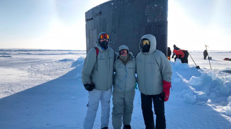 Американские атомные подлодки бросают вызов России в Арктике