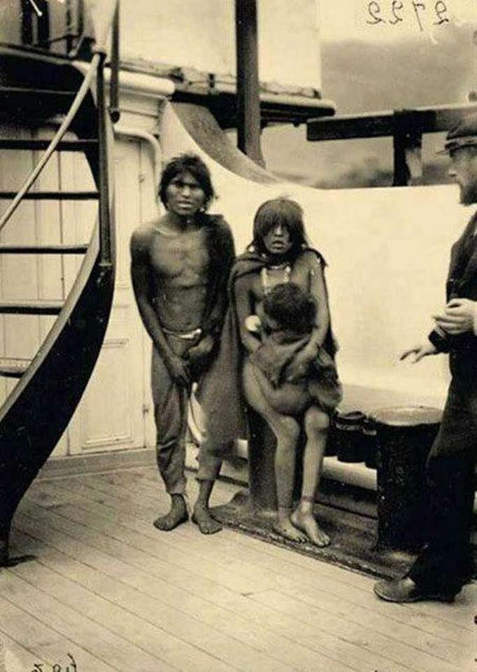 Семью индейцев везут в Европу в качестве новых обитателей зоопарка. 1889 год. жизнь, прошлое, ситуация, факт