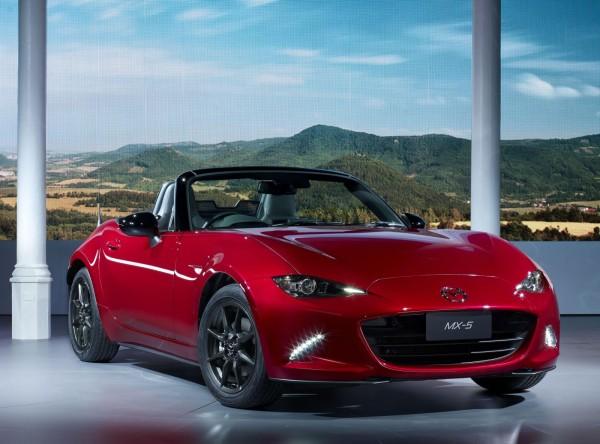 Новая Mazda MX-5  «похудела» на 100 кг