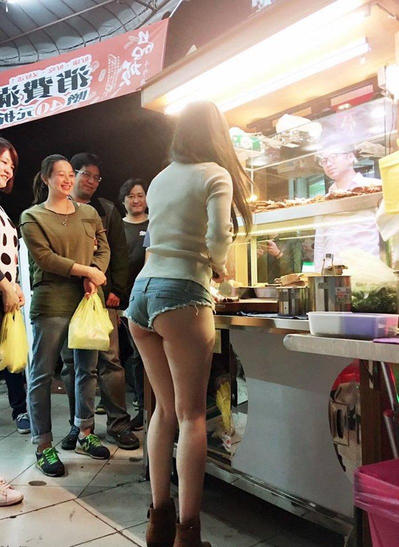 Тайванец нашел отличный способ увеличить в 4 раза свои продажи Тайвань, в мире, девушка, закусочная, люди, магазин, модель