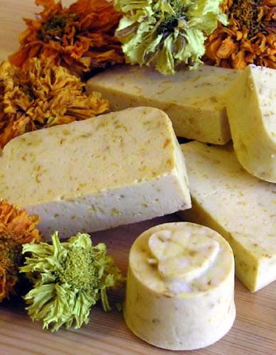Домашнее мыло с лепестками из готовой основы мастер-класс,мыловарение