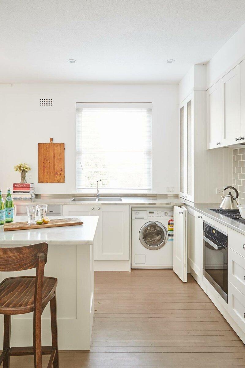 Как спрятать «стиралку» в квартире: дизайнер раскрыла 5 эффективных приёмов