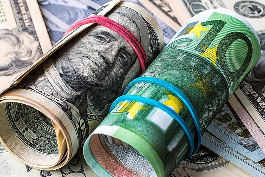 Евро против доллара.png