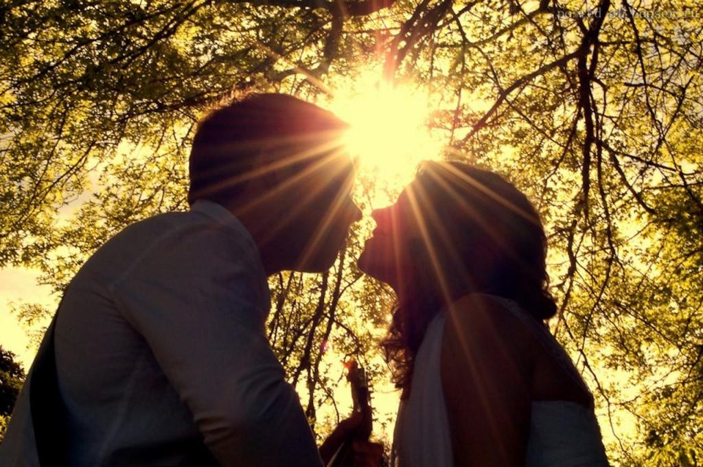 У меня есть друг — нереальный романтик, но не все так просто в его отношениях