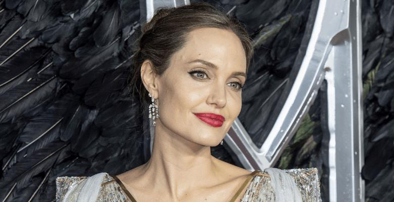 Анджелина Джоли объяснила, п…