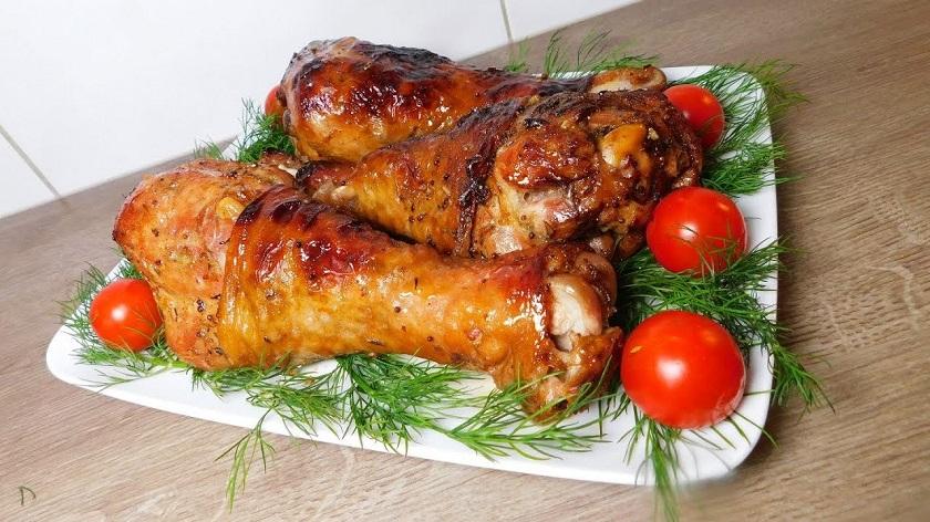Голень индейки, запеченная в духовке с тыквой: блюдо на праздничный стол