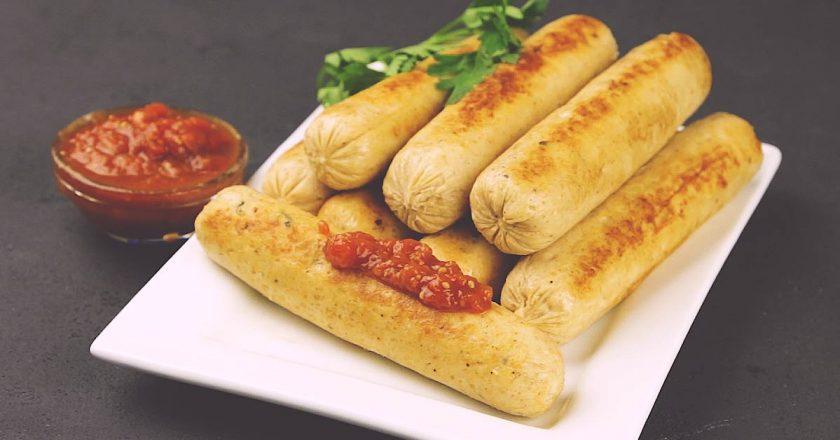 Самый простой и легкий рецепт приготовления домашних сосисок.