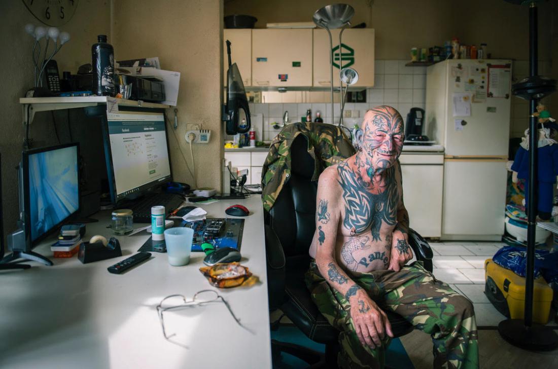Как выглядят татуировки по мере старения человека
