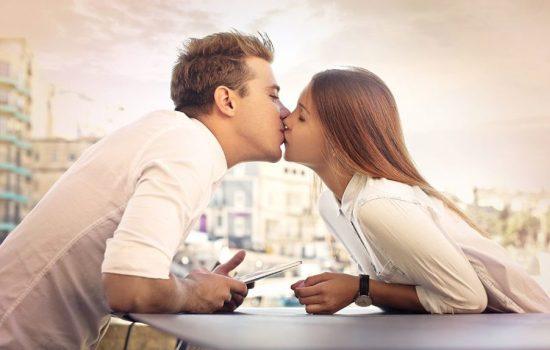Кариес переносится поцелуем? Может ли гниение рта быть заразным?