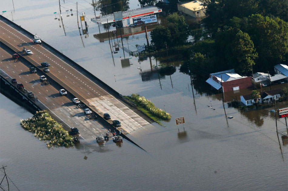 Ураган «Харви» пахнет горем и крупными деньгами