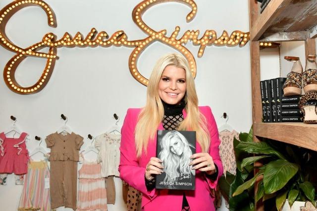 Джессика Симпсон ответила на бодишейминг со стороны редактора Vogue Новости красоты