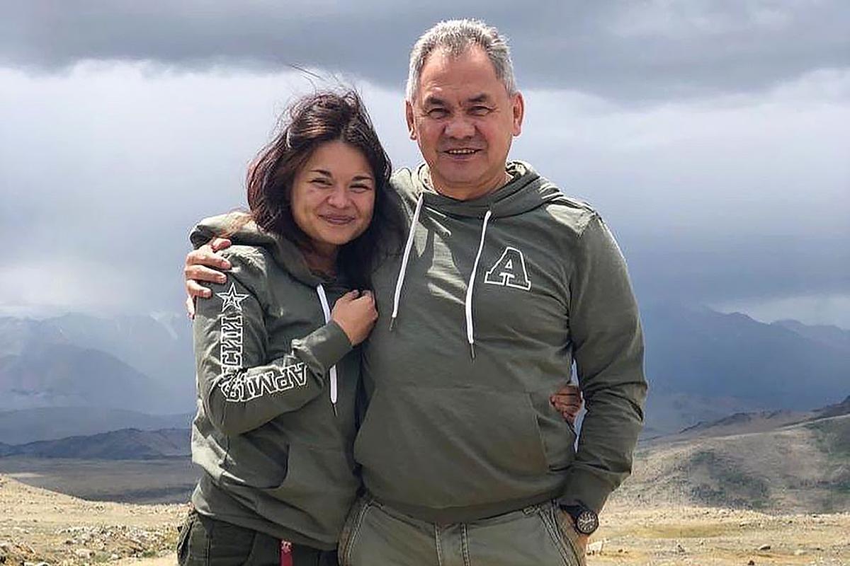 Дочь Шойгу: единственный кандидат на пост президента Федерации триатлона России