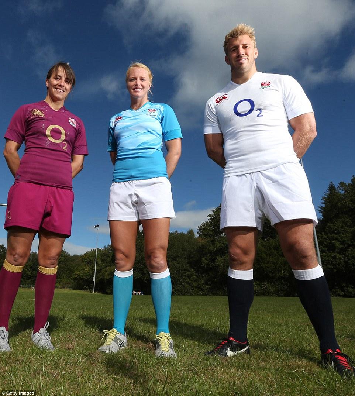 Регбистки сборной Англии разделись для откровенной фотосессии, чтобы опровергнуть стереотипы