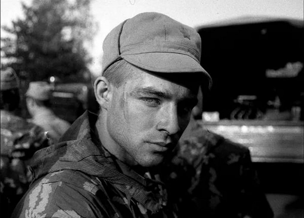 Знакомства мужчины в военной форме