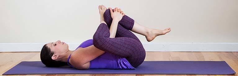 8 упражнений, которые могут помочь облегчить боль радикулита