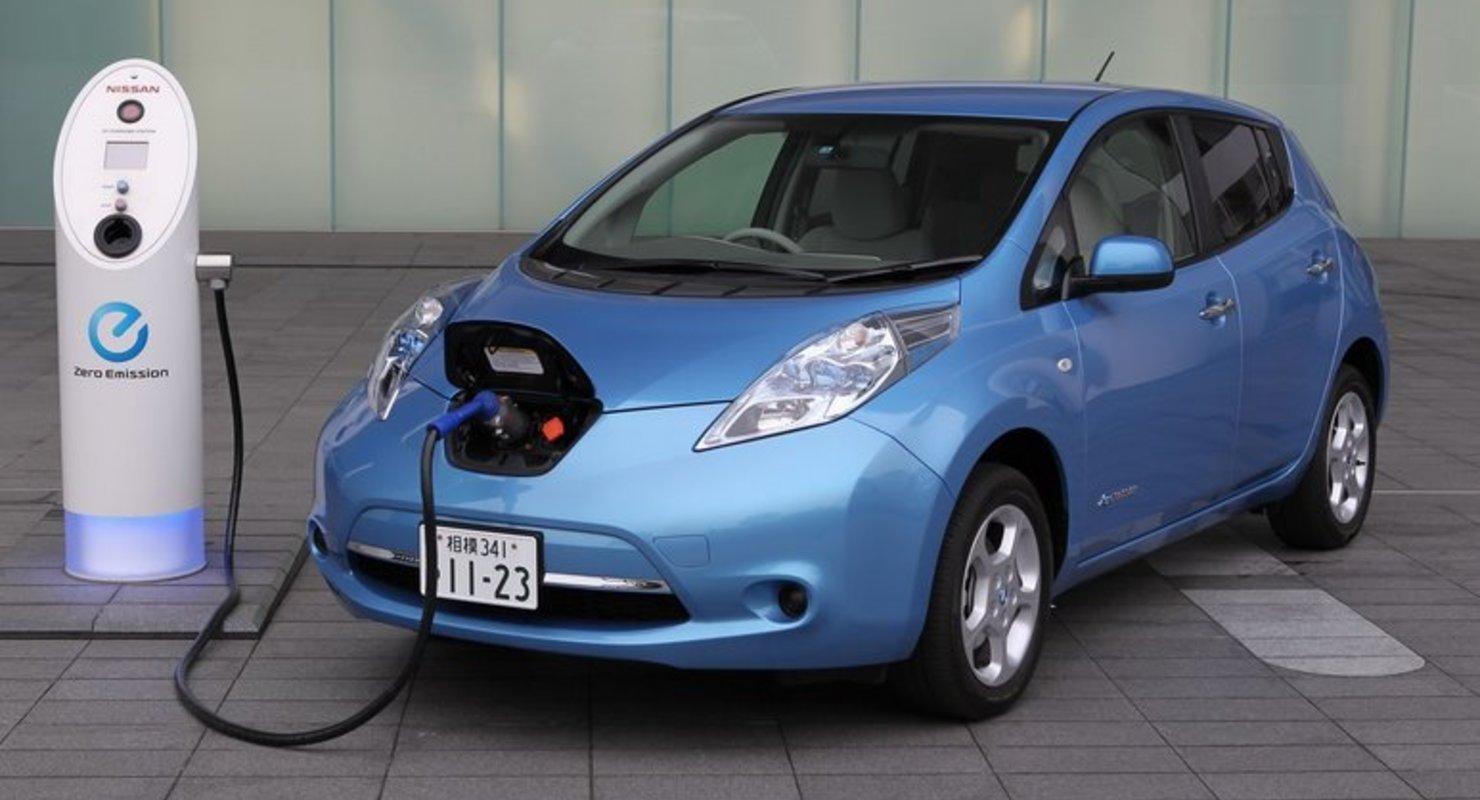 Подержанные электрокары пользовались повышенным спросом в РФ в апреле Автомобили