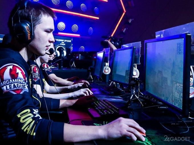 Роскомнадзор планирует бороться с донатами и террористами в геймерских чатах