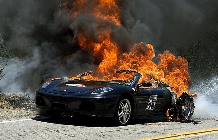 10 популярных автомобилей, поездки в которых весьма опасны