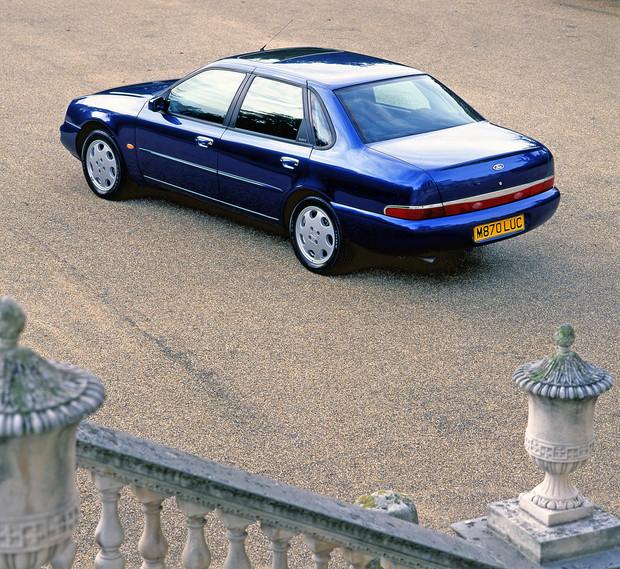 Самый некрасивый во дворе: фиаско последнего большого «Форда» авто,автомобиль