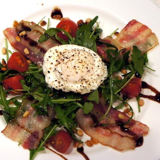 Вкусные и полезные салаты с яйцом-пашот