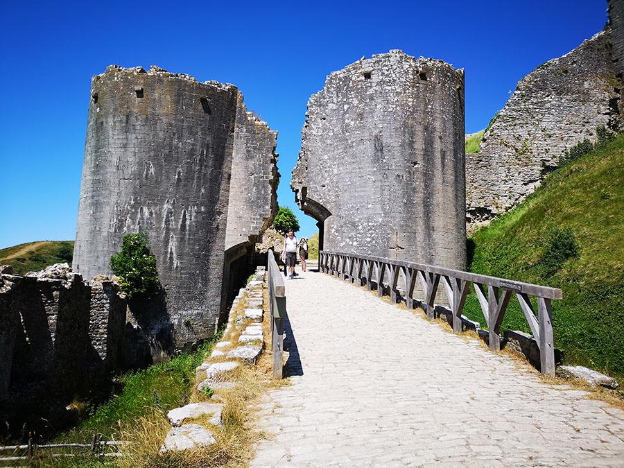 Замок Корф (Corfe Castle) – Одно Из Самых Загадочных Мест Графства Дорсет авиатур
