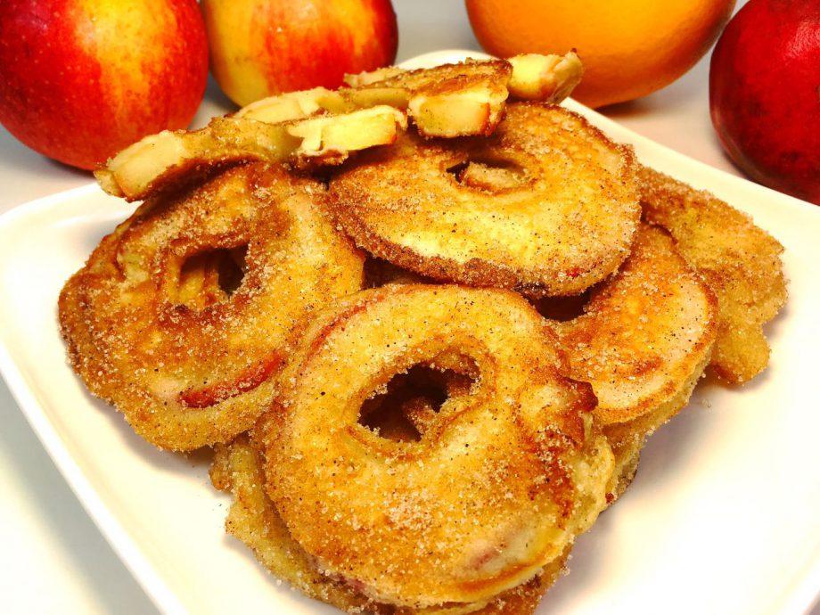 Яблочные кольца — отменный десерт за пару минут
