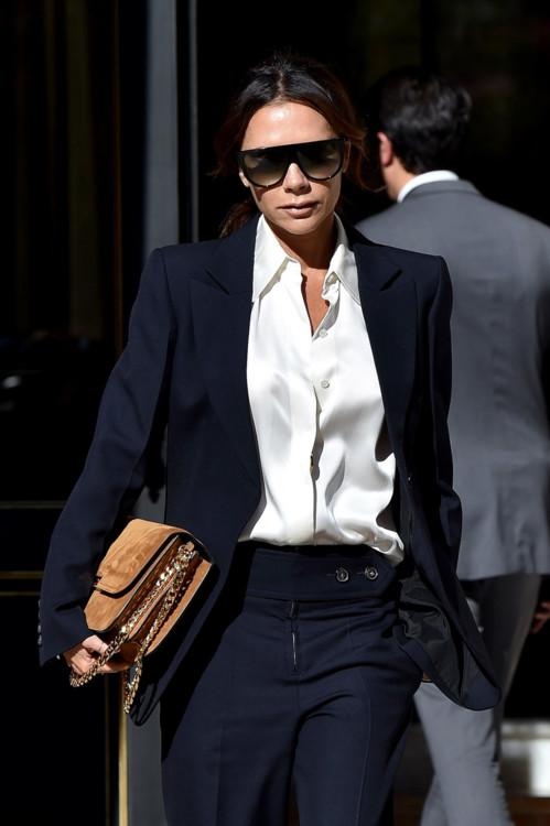 5 оттенков в одежде, которые идеально подходят шатенкам и брюнеткам женские хобби
