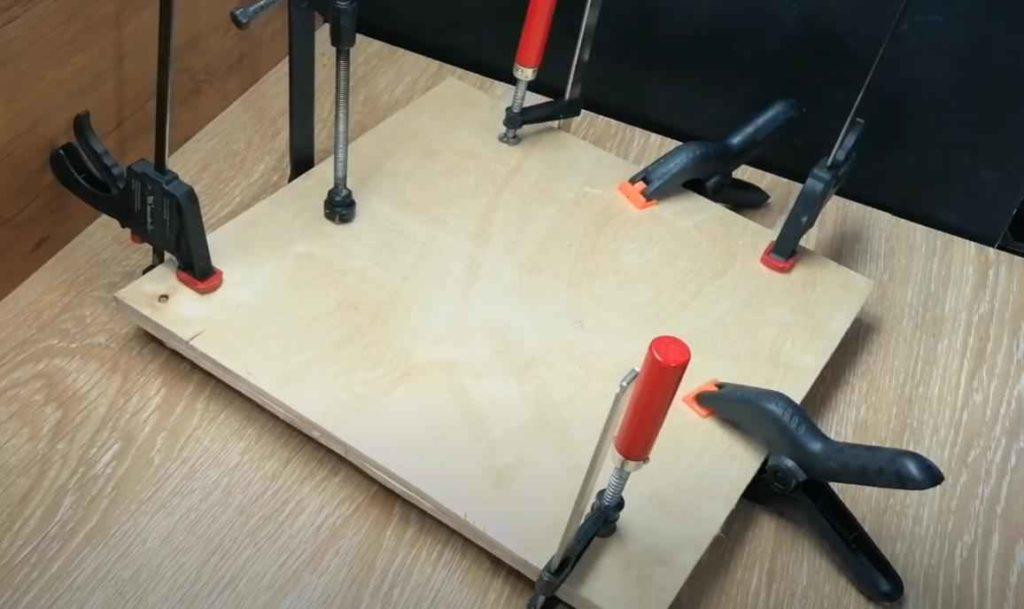 Распиловочный стол из фанеры и электролобзика — бюджетное решение для мастерской