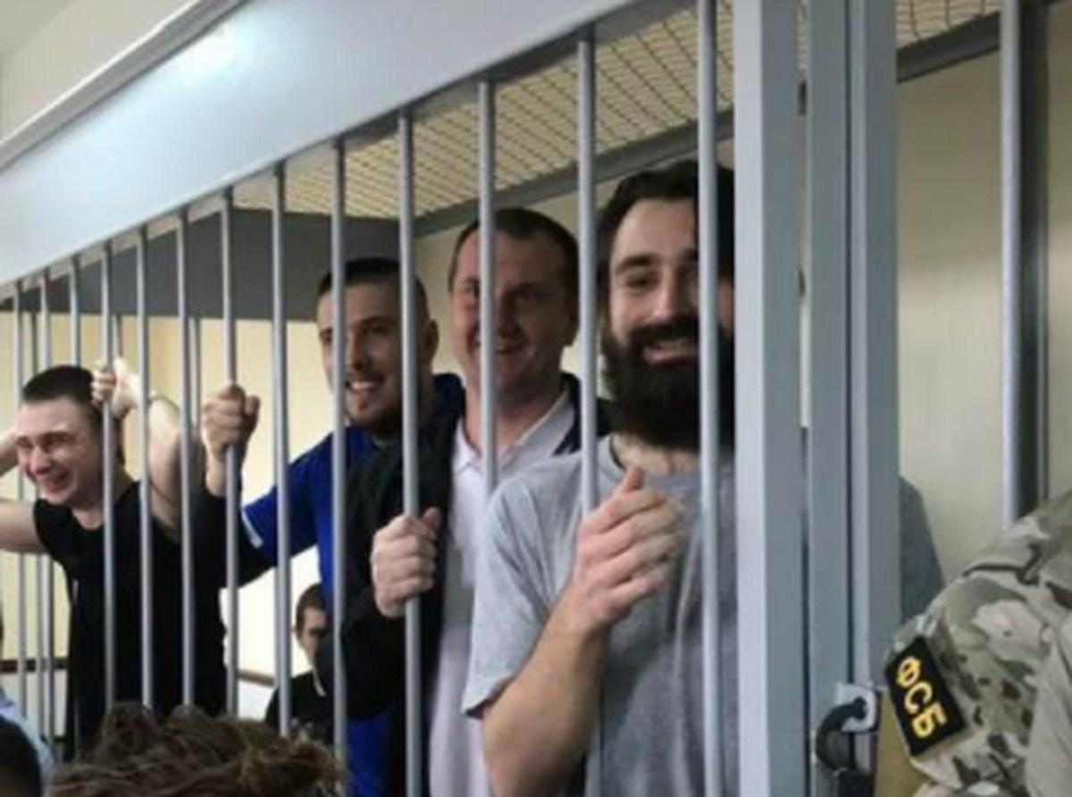 Укры пишут, что моряков отпустили
