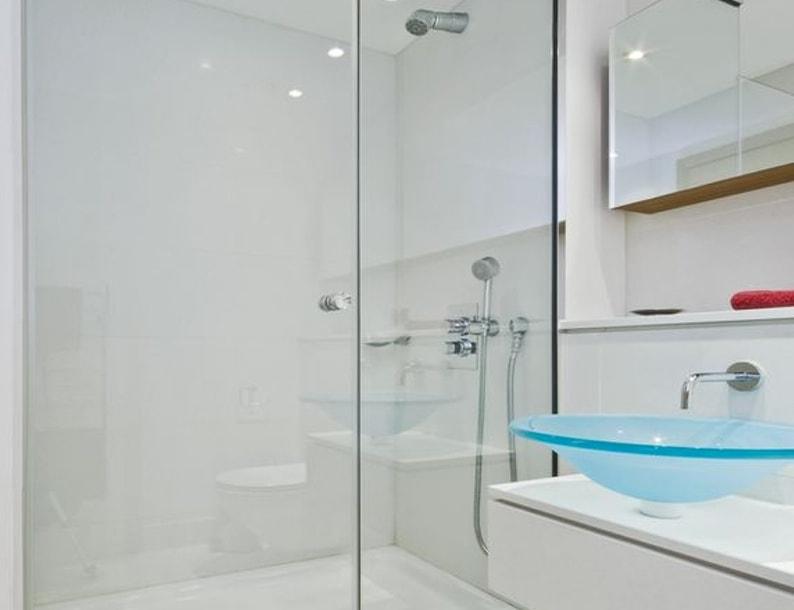 Простой домашний трюк для моментальной очистки ванной комнаты