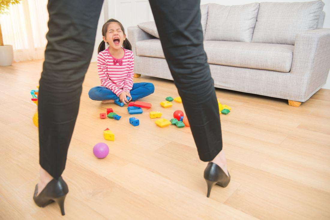 Как остановить детскую истерику за одну секунду