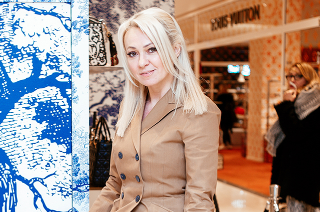 Яна Рудковская, Виктория Дайнеко, Светлана Устинова и другие на открытии pop-up store