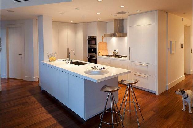 Кухня в цветах: желтый, светло-серый, темно-коричневый, коричневый, бежевый. Кухня в стилях: минимализм, хай-тек.