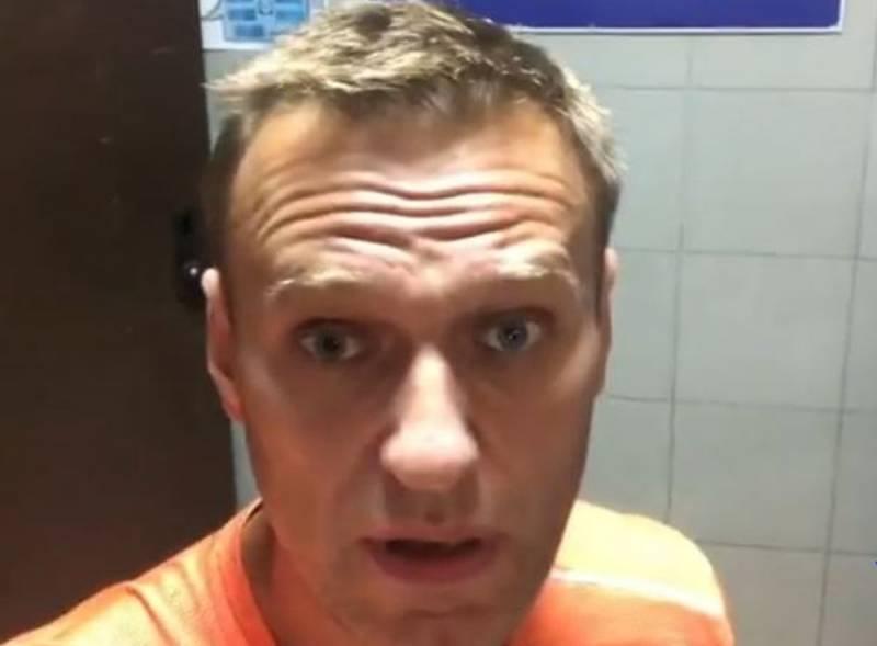 «Как дурак в трусах в полиции»: Навальный жалуется на свое задержание