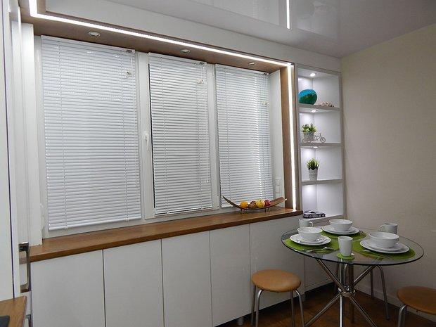 """Кухня: """"Хотели впустить побольше воздуха, света и ярких красок на кухню в 7,5 метра"""""""