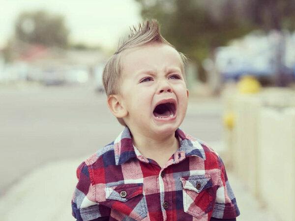 Психолог назвала способ, помогающий справиться с показательными детскими истериками