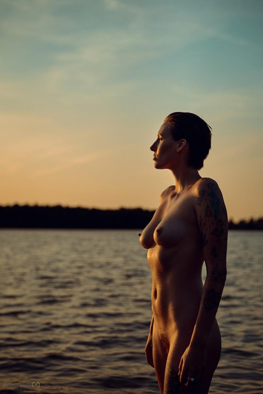 Снимки в жанре «Ню» Денниса Килча фотография